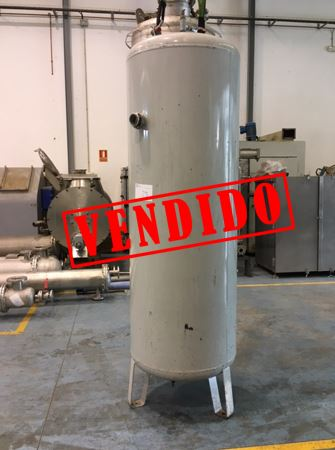USED 935 LITRES IRON TANK
