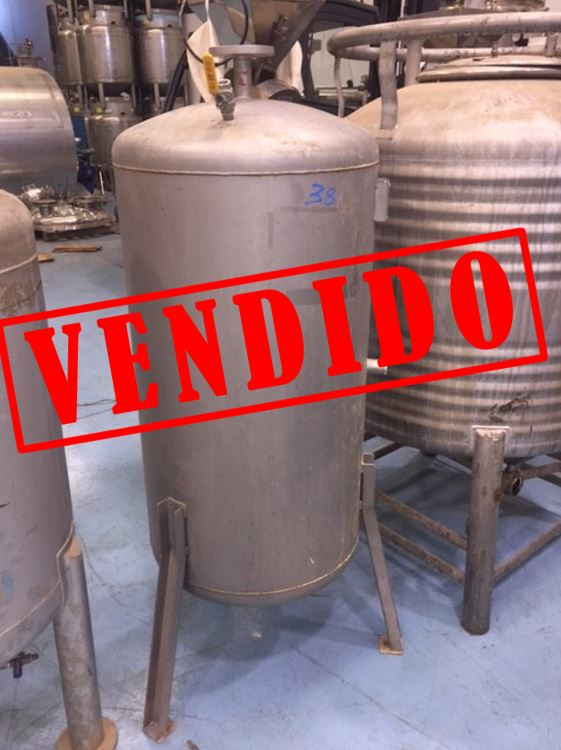 USED 300 LITRES STAINLESS STEEL TANK
