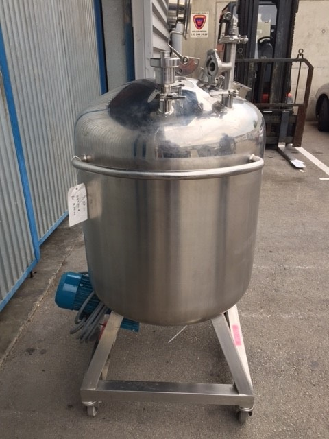 USED 200 LTR 700 MM X 500 MM V AGIT