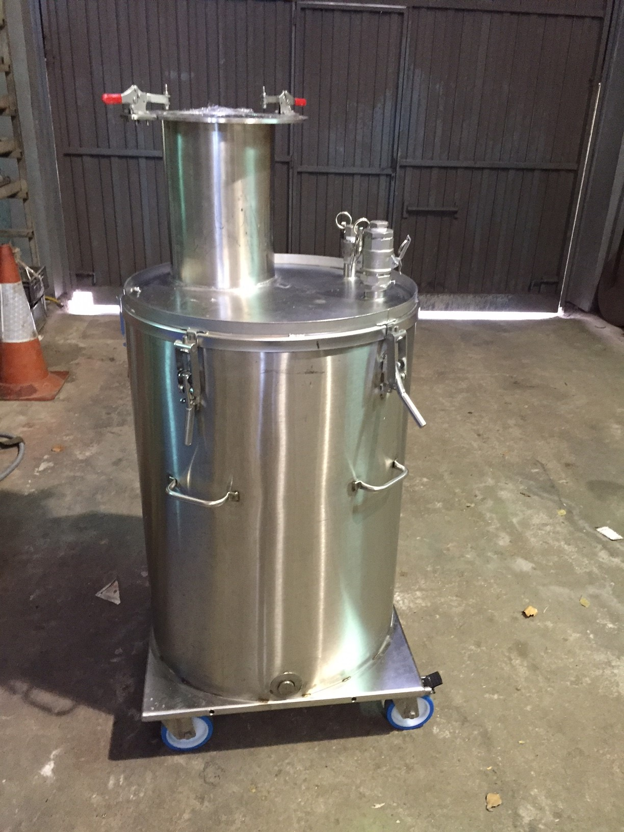 USED 200 LITRES STAINLESS STEEL 316 INSULATED TANK