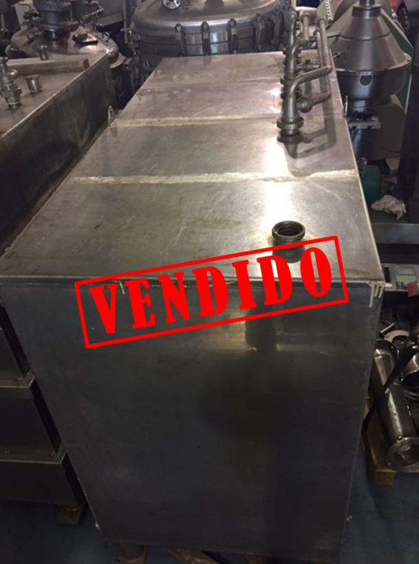USED 2300 L STAINLESS STEEL TANK