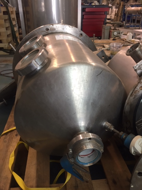 USED STAINLESS STEEL 110 LITRES TANK