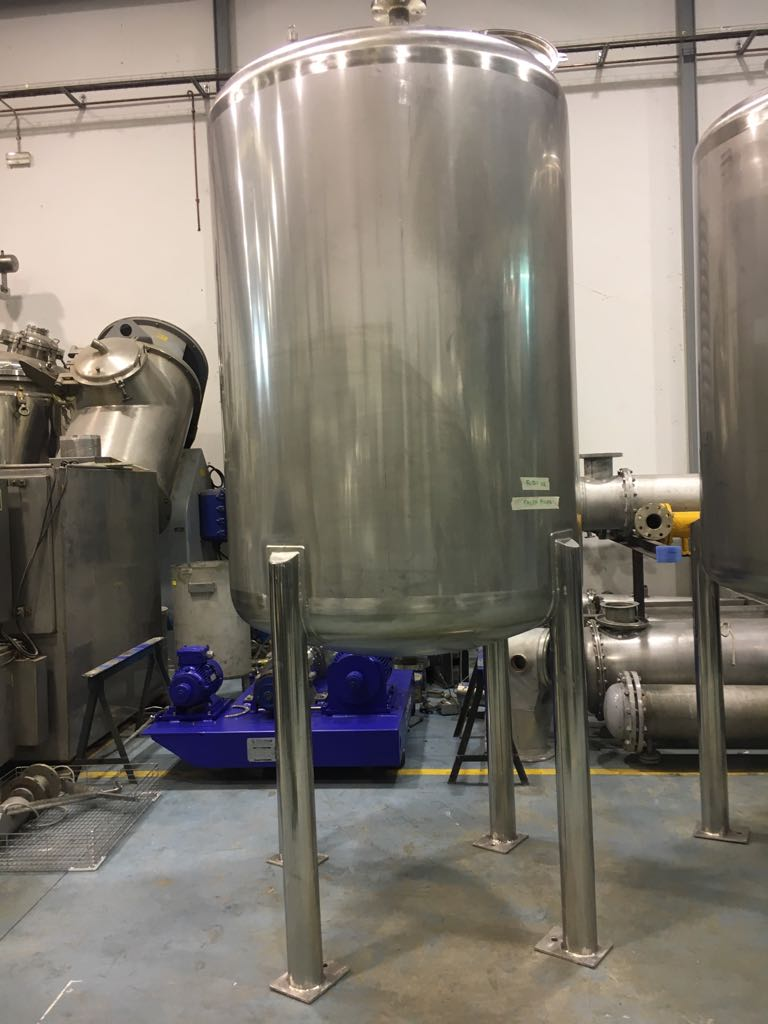 USED 1400 LITRES STAINLESS STEEL TANK