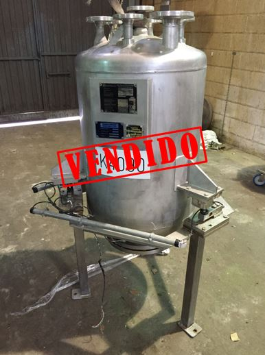 USED 200 LITRES STAINLESS STEEL TANK