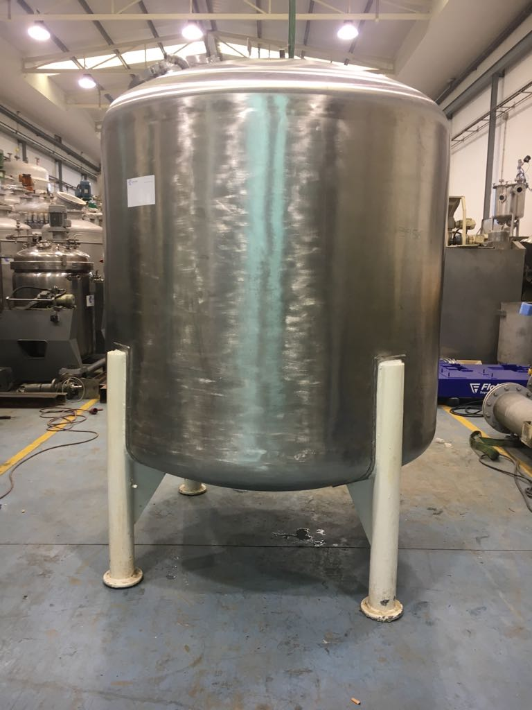 USED 2100 LITRES STAINLESS STEEL TANK