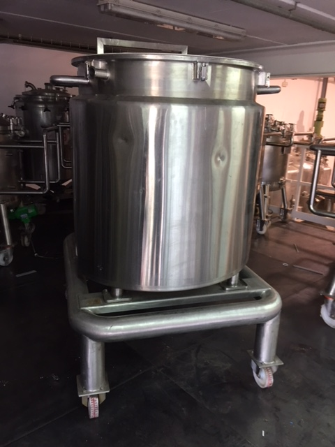 USED 1000 LITRES STAINLESS STEEL 316L TANK