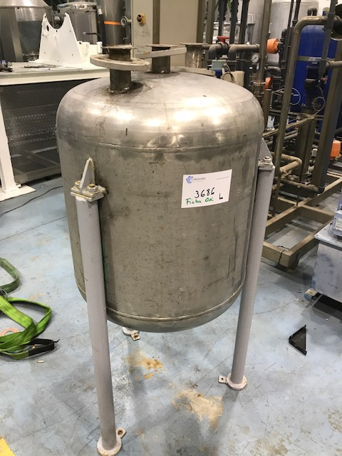 USED 200 L STAINLESS STEEL TANK
