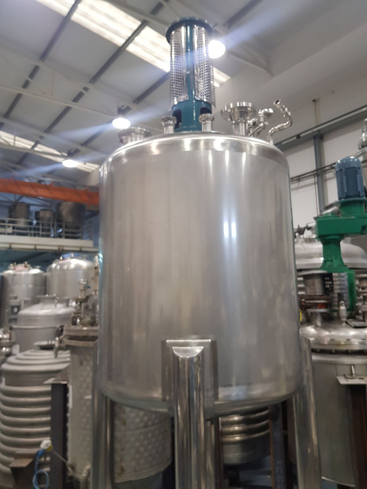 USED 600 LITRES STAINLESS STEEL TANK