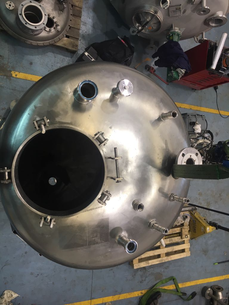 USED 1100 LITRES STAINLESS STEEL TANK