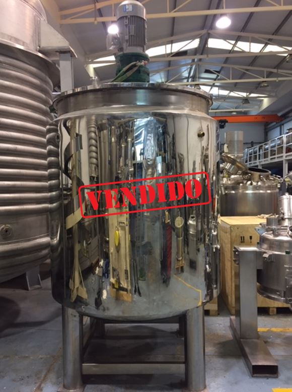 USED STAINLESS STEEL 2.000 LITRES REACTOR WITH AGITATION AND JACKET