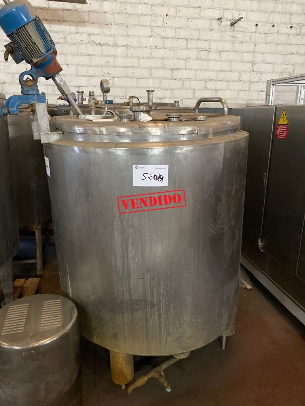 USED STAINLESS STEEL 500 LITRES INSULATED TANK WITH HALF-COIL JACKET AND AGITATION
