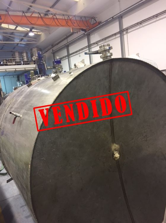 USED 5000 L STAINLESS STEEL TANK WITH AGITATION