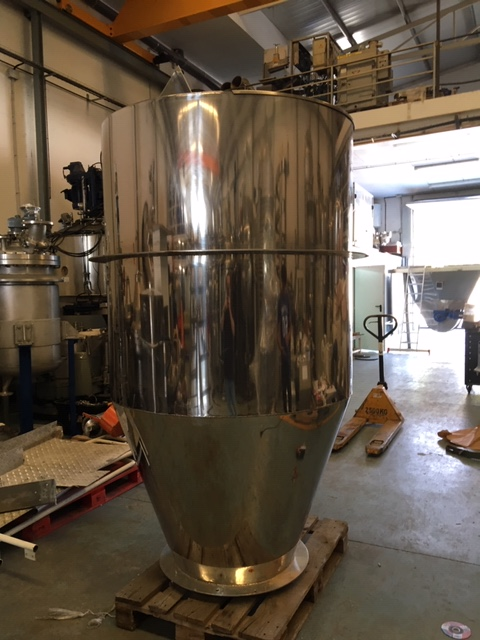 USED STAINLESS STEEL 2000 LITRES SOLIDS TANK