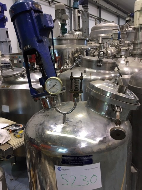 USED STAINLESS STEEL 170 LITRES TANK WITH AGITATION