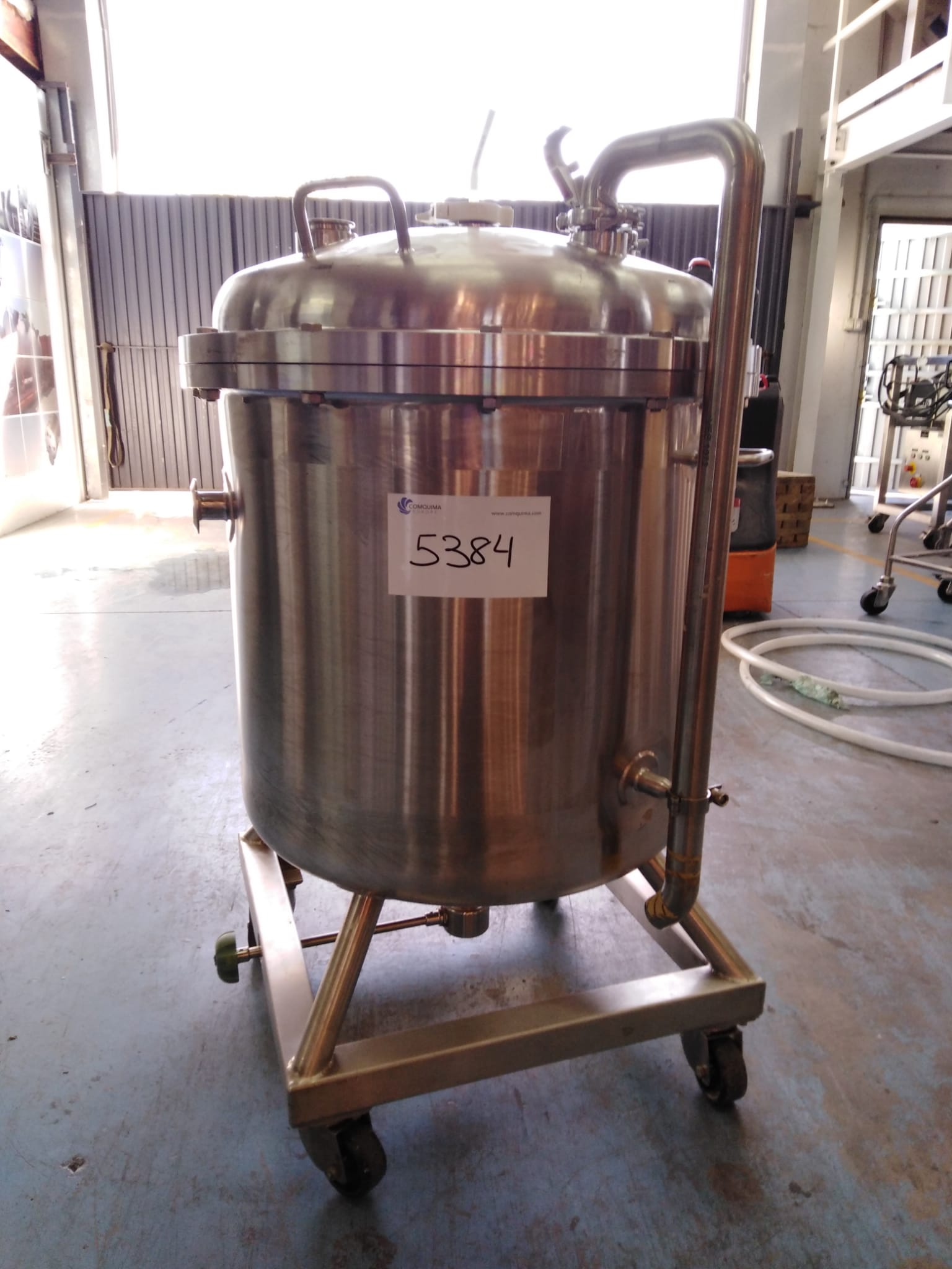 USED STAINLESS STEEL 160 LITRES TANK