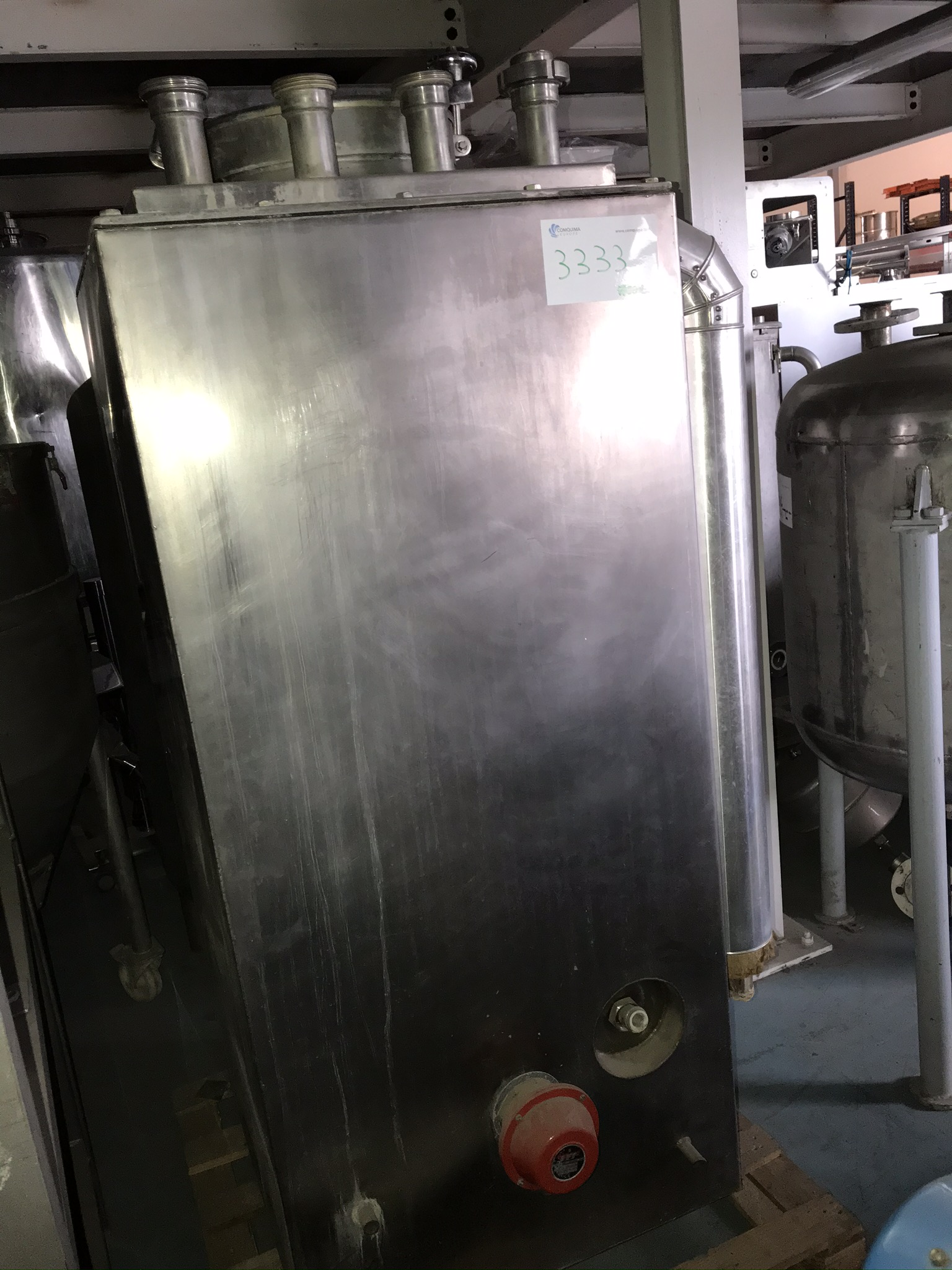 USED STAINLESS STEEL 500 LITRES TANK WITH JACKET, ELECTRICAL RESISTANCE AND INTERNAL COIL