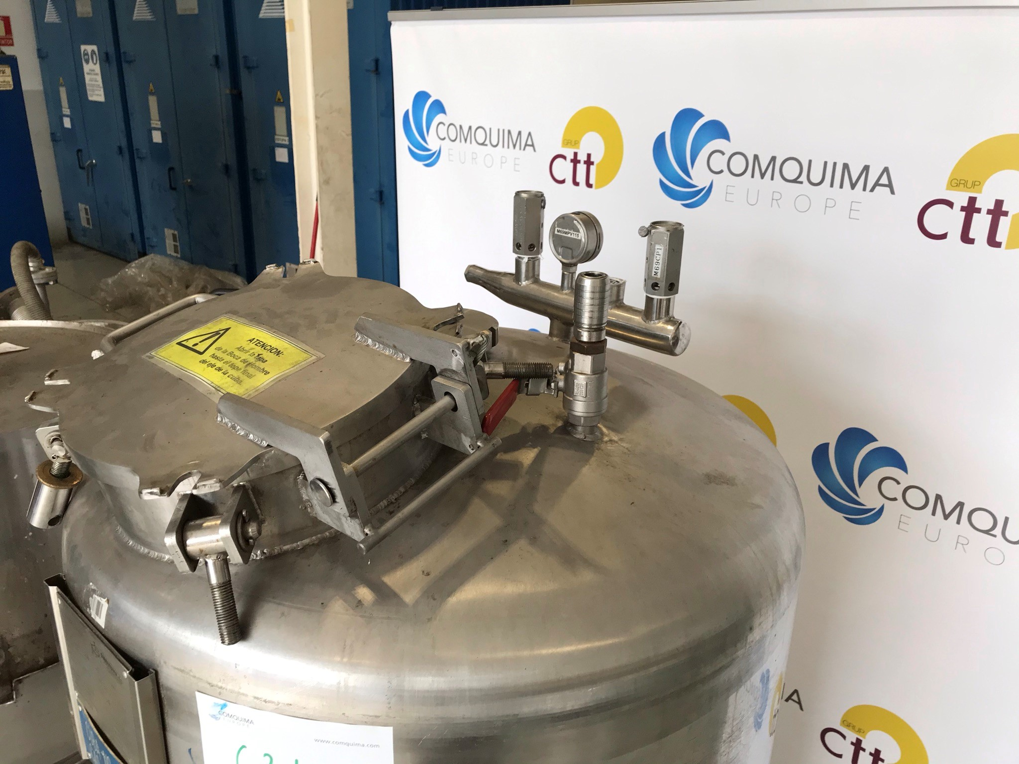 USED STAINLESS STEEL 500 LITRES TANK