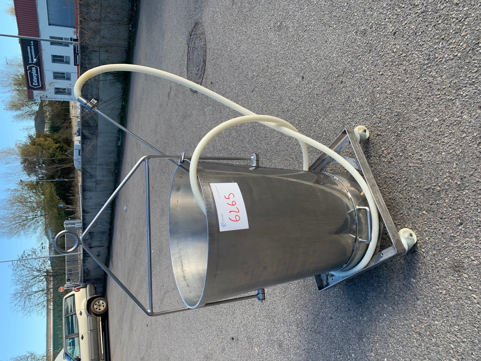 USED STAINLESS STEEL 80 LITRES TANK